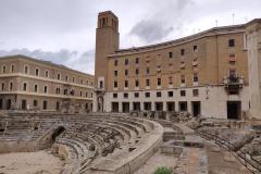 Piazza Sant'Oronzo, uno dei luoghi più frequentati del centro storico di Lecce