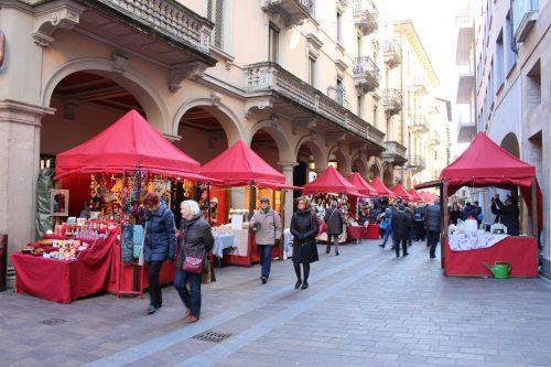 Mercatini Di Natale A Lugano.Mercatini Di Natale In Ticino Lugano Bellinzona Locarno